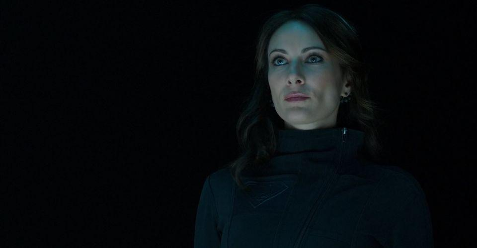 Laura-Benanti-as-Astra-on-Supergirl