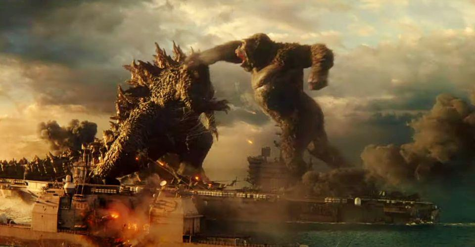 Kong-punching-Godzilla-in-the-face